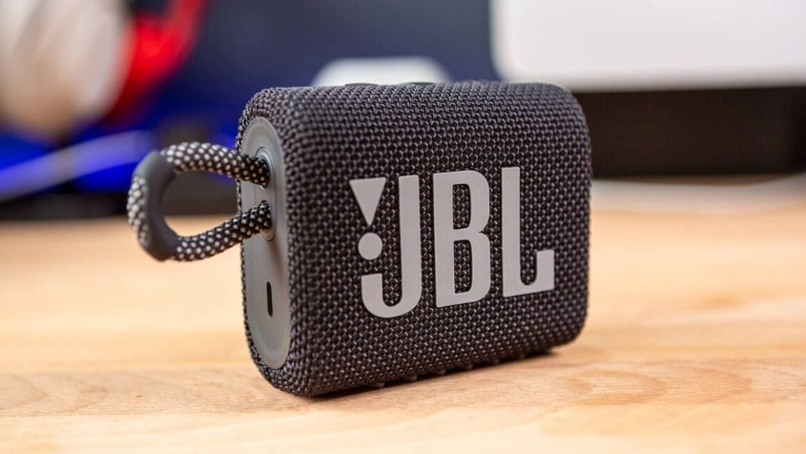 JBL Go 3 Review: The Smallest Of The Great Speakers Ready