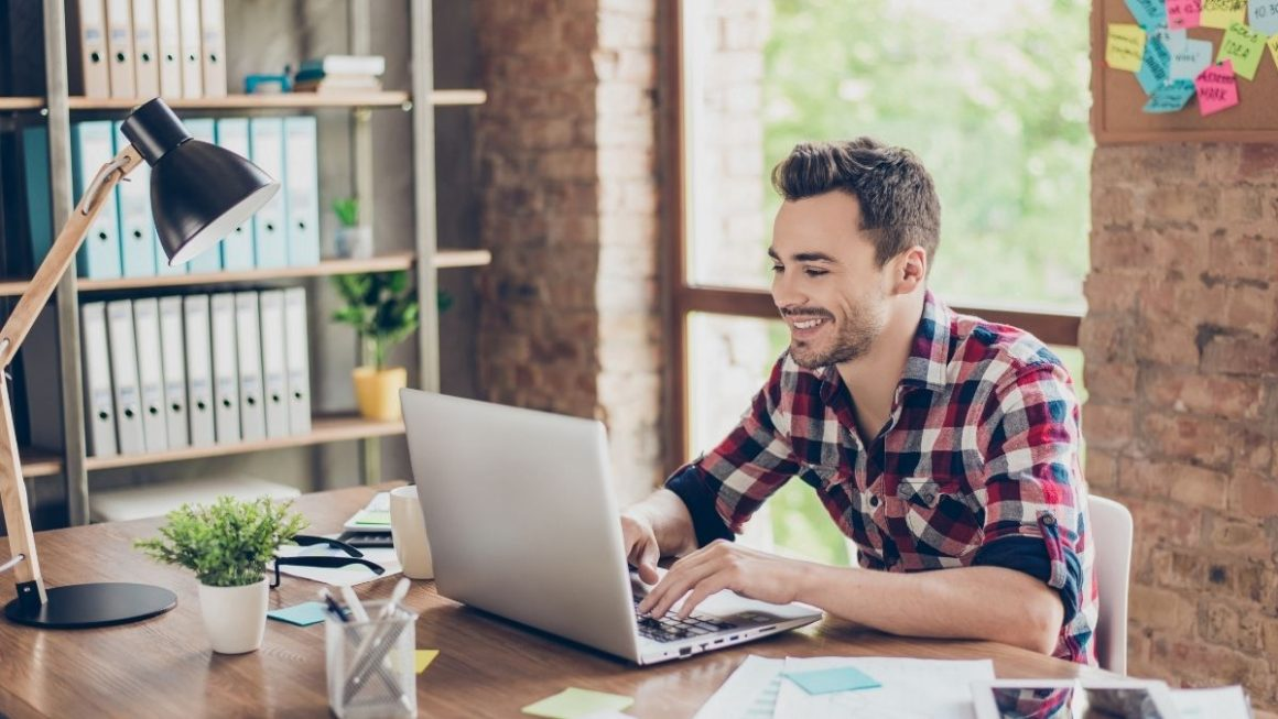 Top Tips For Working With Established Brands As a Freelancer